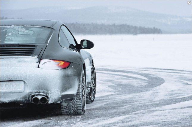 Porsche in winter